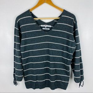 🌷Tommy Hilfiger Large Striped Gray Sweater